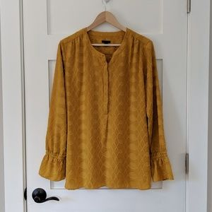 Ann Taylor golden mustard long sleeve blouse M